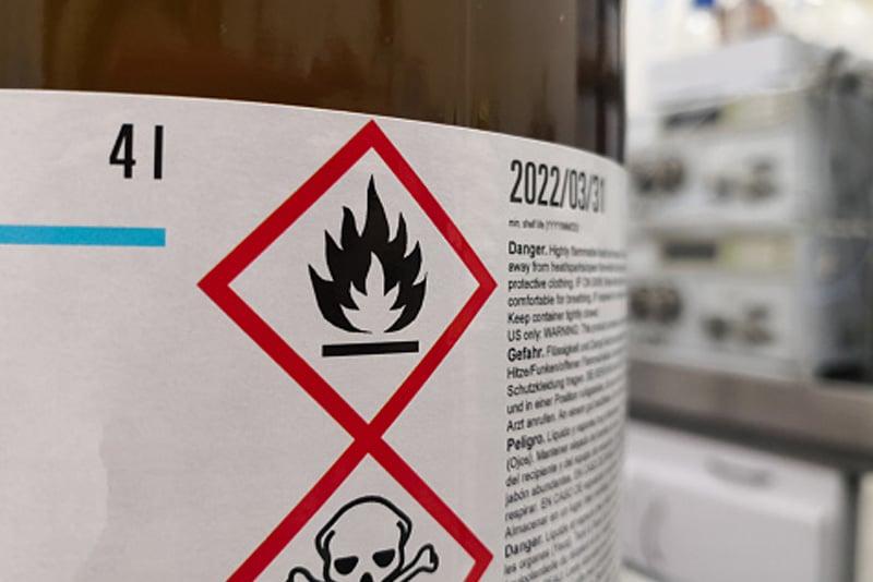 Etiquettes d'impression matières dangereuses